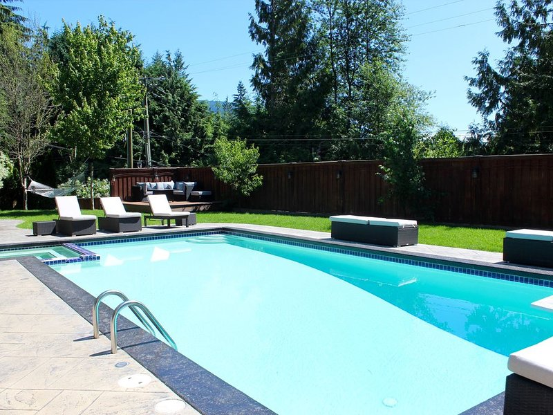 Wonderful Stay in West Vancouver Guest Suite near Sea, Ski and City, holiday rental in Britannia Beach