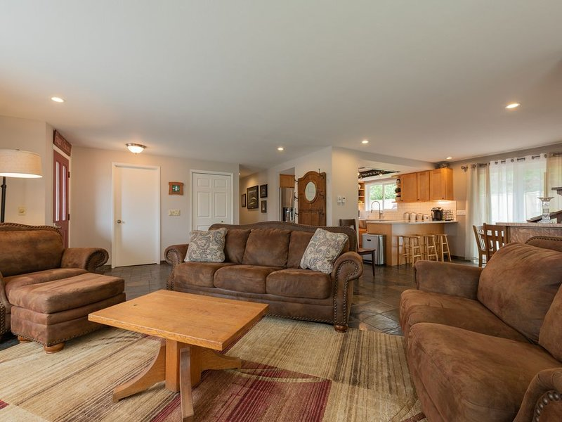 Country home just minutes from town, vacation rental in Port Angeles