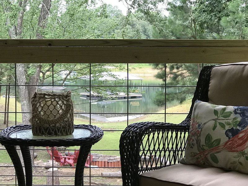 Cozy Cabin in the Cove, vacation rental in Hartwell