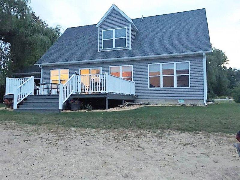 Beachfront home cure for high blood pressure, aluguéis de temporada em Forestville