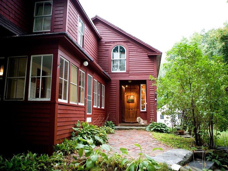 Quaint Maine Farmhouse Near Portland, alquiler vacacional en Standish