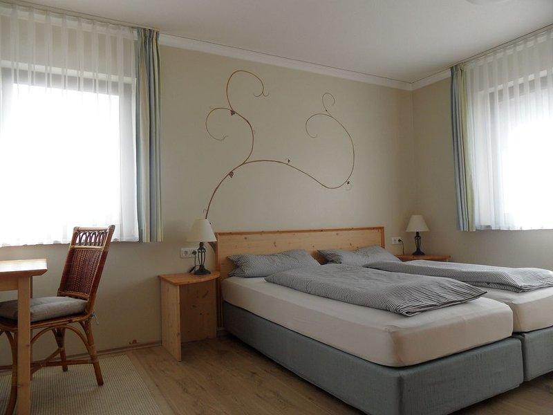 Gemütliches 1-Zimmer-Appartment (30qm) mit Küchenzeile, Ferienwohnung in Sommerach