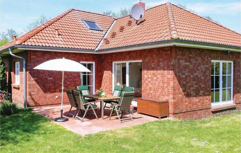 2 Zimmer Unterkunft in Ahrenshagen OT Tribohm, vacation rental in Semlow