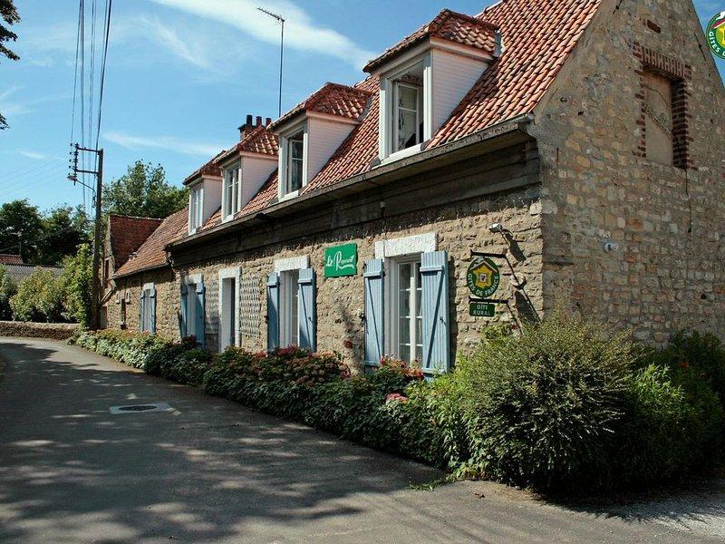 Le Reposoir/L'écurie, casa vacanza a Belle-et-Houllefort