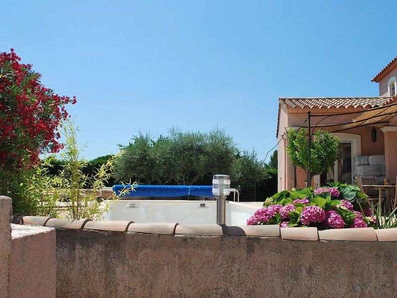 Belle Villa contemporaine., location de vacances à Caveirac