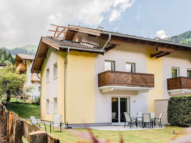 Spacious Chalet In Zell Am See, Salzburg, Austria Close To Slopes, holiday rental in Zell am See