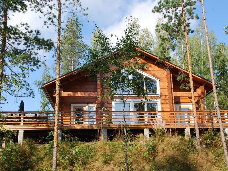 Villa Kokkis - Taavetti, luxus Villa mit eigene Sauna am See, 10 pers., location de vacances à Kesaranta