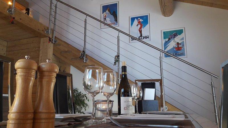 Magnifique appartement dans chalet de 1813, très propre, prix réduit, holiday rental in Saint-Jean-de-Sixt