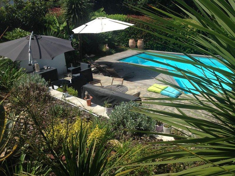 BIARRITZ en été ...!!!!  magnifiques vacances , villa sur golf piscine chauffée, holiday rental in Villefranque
