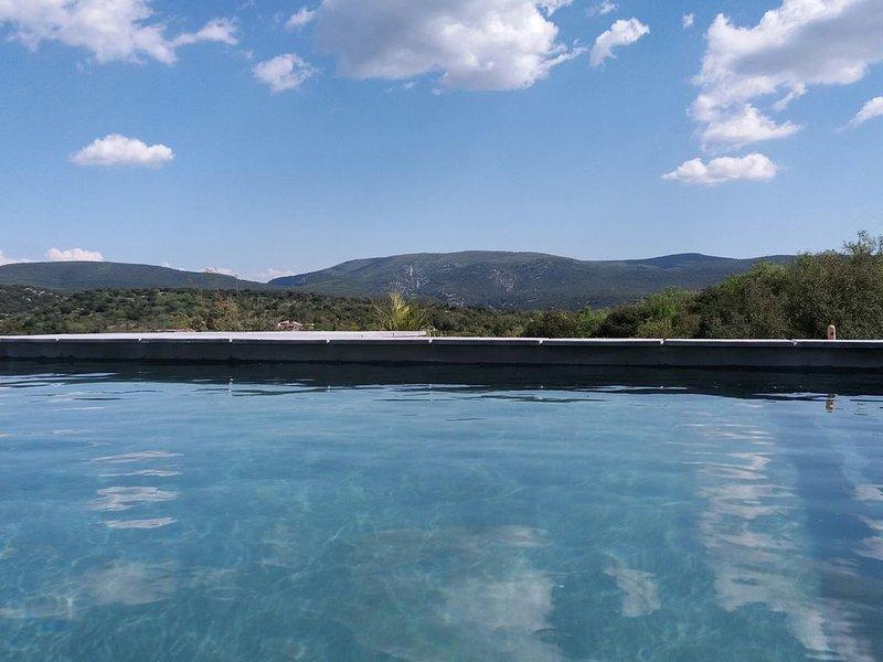 Gîte ☆☆☆☆ avec piscine chauffée, proche des Gorges de l'Ardèche, holiday rental in Lagorce