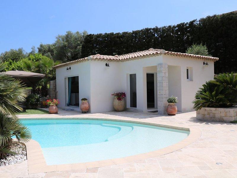 Maison Loft 40m2, piscine privée, holiday rental in La Gaude
