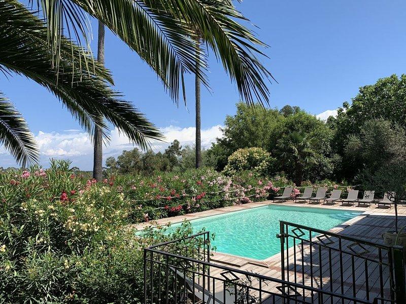 Superbe villa vue mer et montagne  piscine chauffée et jardin paysagé de 4500 m, holiday rental in Santo-Pietro-di-Tenda