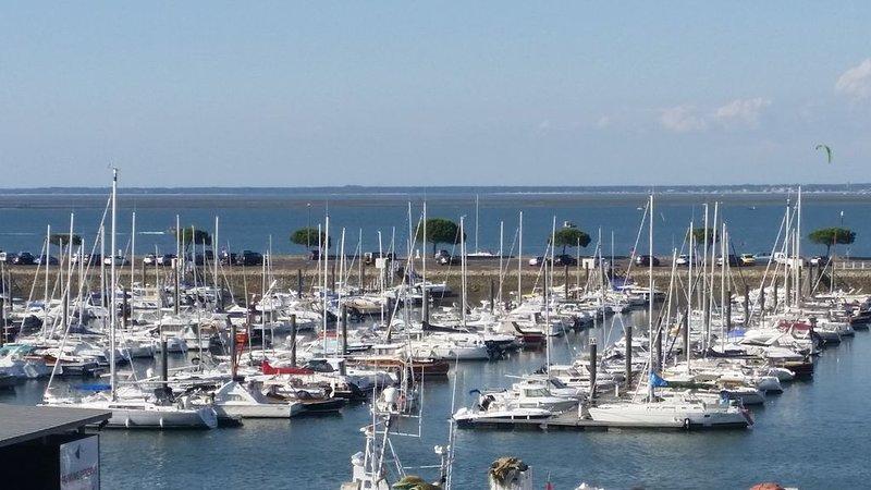 Arcachon-Vue mer 180° !!  Appt 63m2 2/4 pers, terrasse., vacation rental in Arcachon