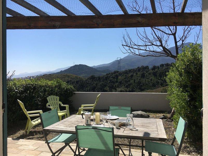 Mini villa, vue montagne et maquis, proche Bastia, alquiler vacacional en Biguglia