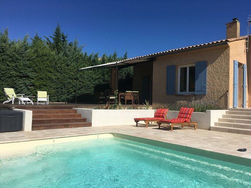 Belle villa rénovée avec piscine privée et vue magnifique sur le Mont Ventoux, alquiler vacacional en Saint-Romain-en-Viennois