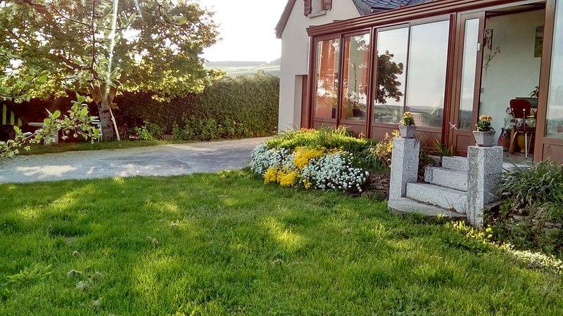 Gîte sur l' Aubrac pour 2 à 6 personnes, holiday rental in Aumont Aubrac