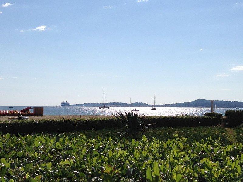 Appartement 6 personnes pieds dans l'eau Port Grimaud (golfe de St Tropez), vacation rental in Port Grimaud