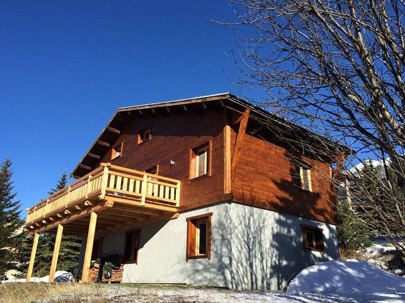 Chalet de charme NEUF pour  14 Personnes, holiday rental in Val-des-Pres