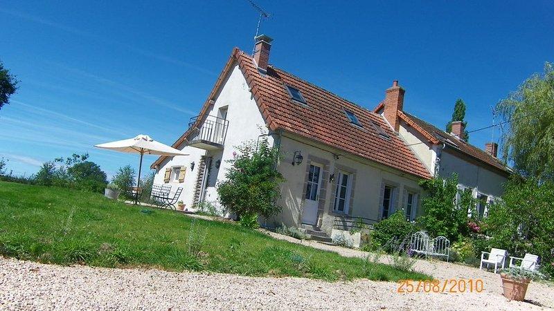 Maison de campagne de caractére au cœur du bocage Bourbonnais (6pers), vacation rental in Allier
