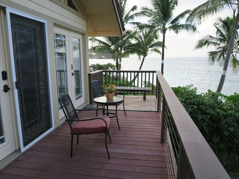 Idylliic beachfront private guest suite on the beautiful North Shore of Oahu, aluguéis de temporada em Waialua