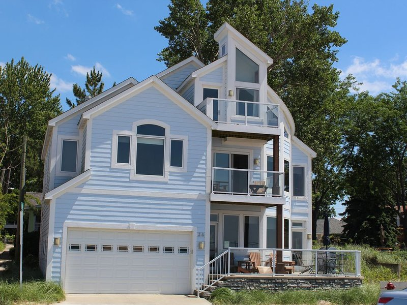 Luxury Home on North Beach: Gorgeous Views of Lake Mich:  Dates in Sept/Oct, location de vacances à South Haven