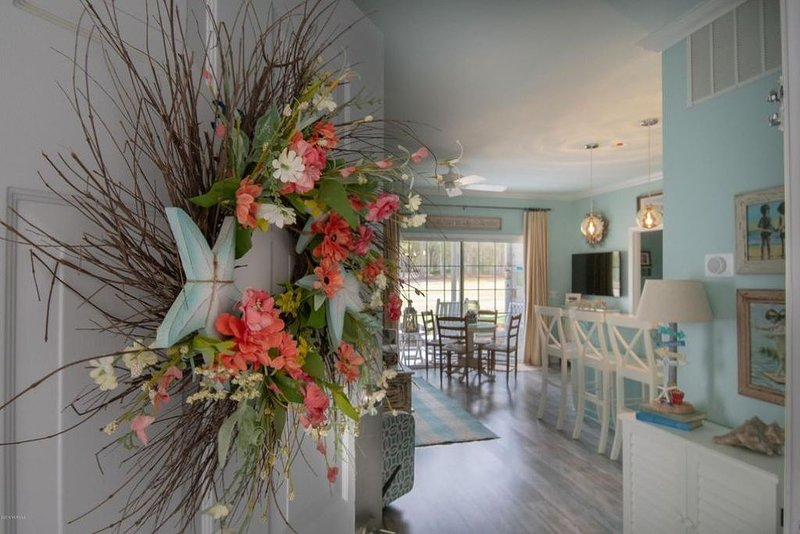 Enjoy SAVE AT HOME Holidays. 'Blue Heaven' luxury ML condo w/screened porch, vacation rental in Sunset Beach
