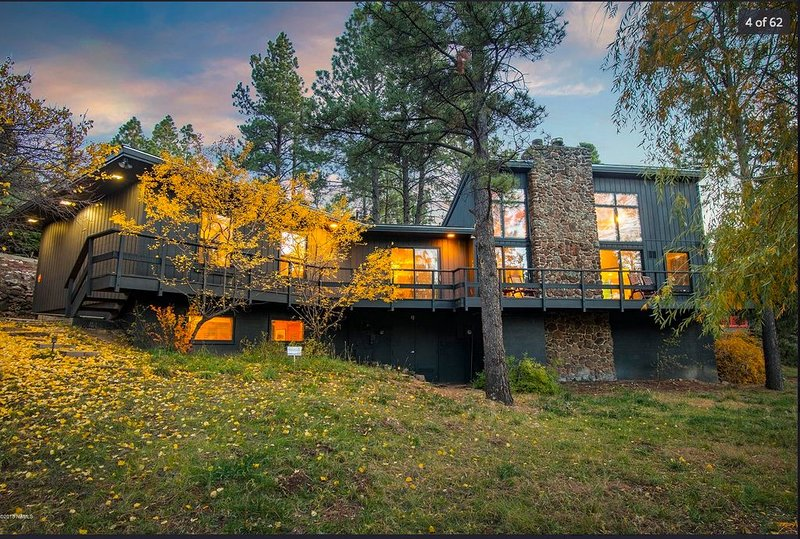 Mid-Century Modern Home in Continental Country Club - East Flagstaff, vacation rental in Flagstaff