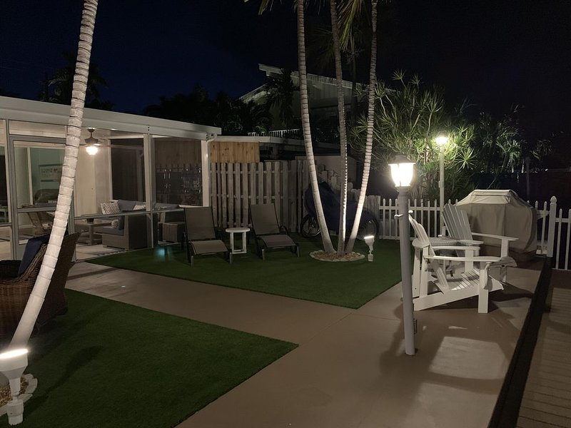 Secluded Canal Front Property, Private Beach + Pool Club.   Best Cancel Policy!, holiday rental in Key Colony Beach