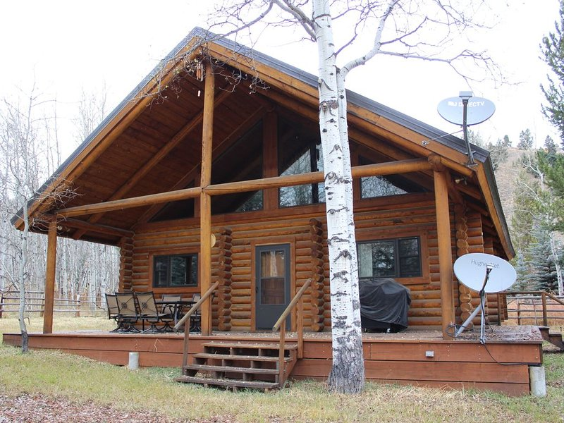 2/2 Cabin with Loft Nestled next to National Forest, alquiler de vacaciones en Jackson Hole