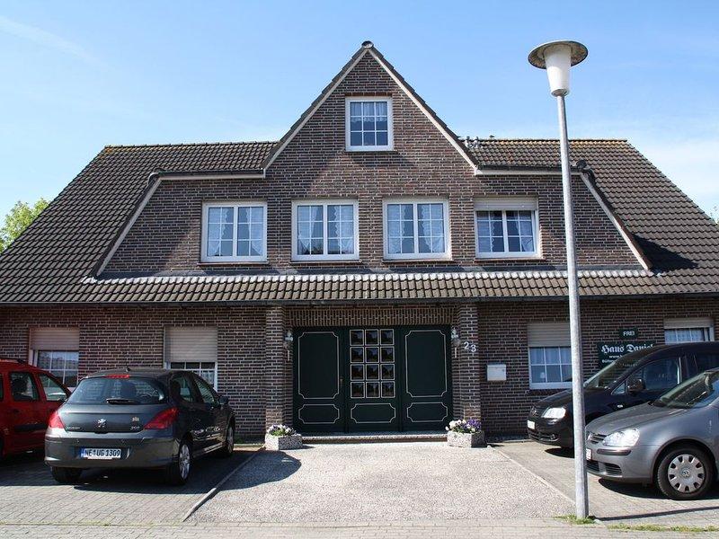 Wohnung 2 Haus Daniel, WiFi frei, 400m zum Deich, Terrasse, location de vacances à Neuharlingersiel