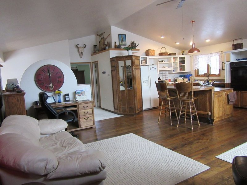 Madison Lodge- Hill City, SD, vacation rental in Hill City