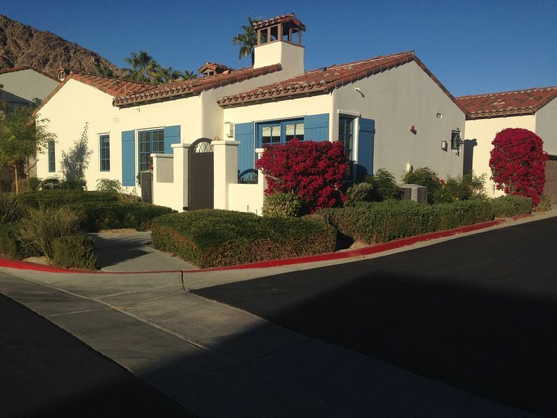 2BD/2BA Single Level Villa Near Main Pools!, holiday rental in La Quinta
