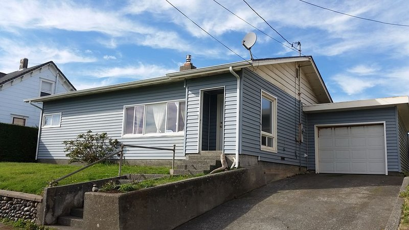 Coastal Cottage, Less than a Block to the Beach, Crescent City, CA, holiday rental in Hiouchi