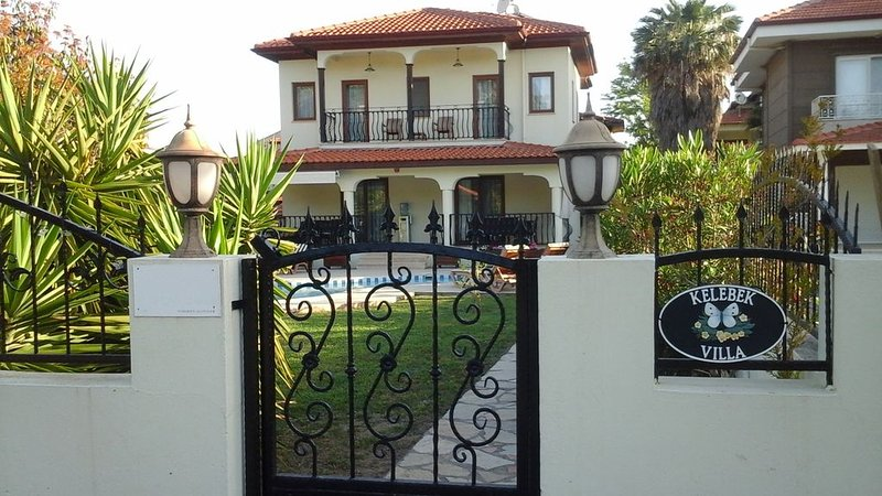 4 bedroom villa (1 downstairs),  private pool, wi-fi and stunning mountain views, holiday rental in Dalyan