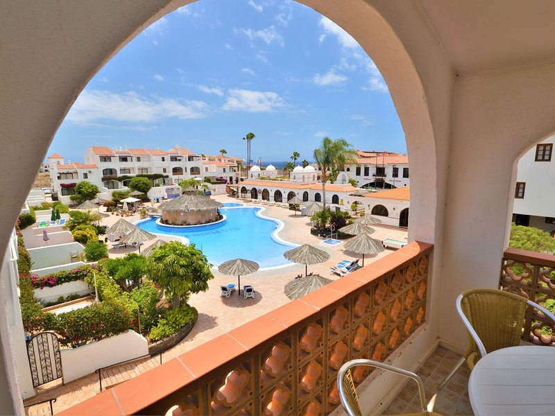 Exclusive Quality Penthouse on Fairways, a small friendly Complex, holiday rental in San Miguel de Abona