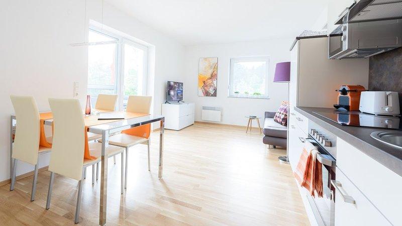 Moderne Wohnung mit großem Balkon am Klopeiner See, holiday rental in Gallizien
