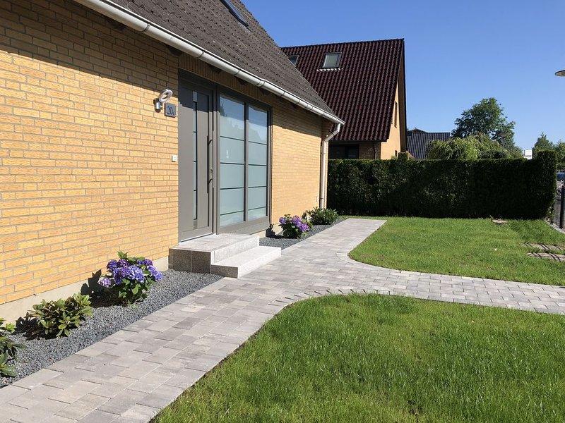 ****4 Sterne-Ferienwohnung mit Terrasse und grossem Garten, aluguéis de temporada em Ratzeburg