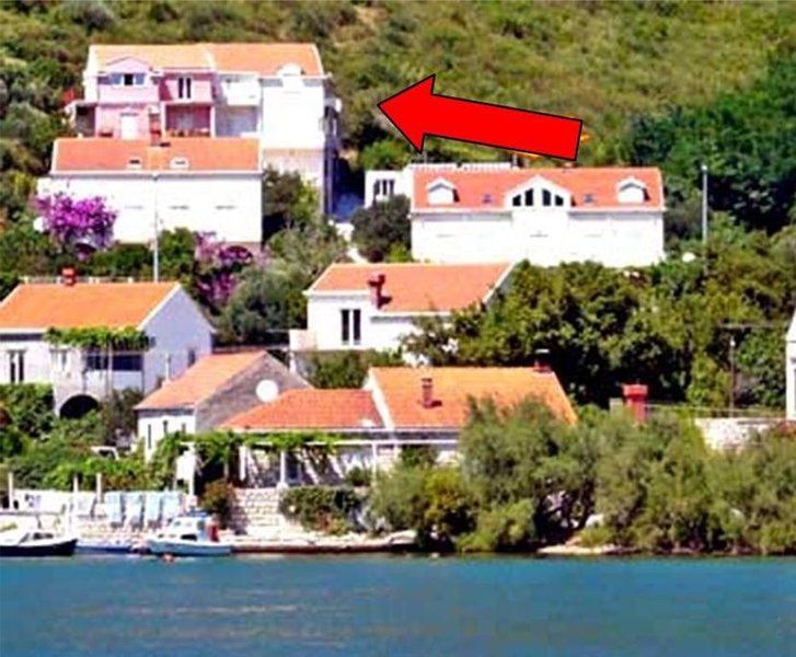 Apartments Peco - Apartment mit 4 Schlafzimmern, Balkon und Meerblick, holiday rental in Mokosica
