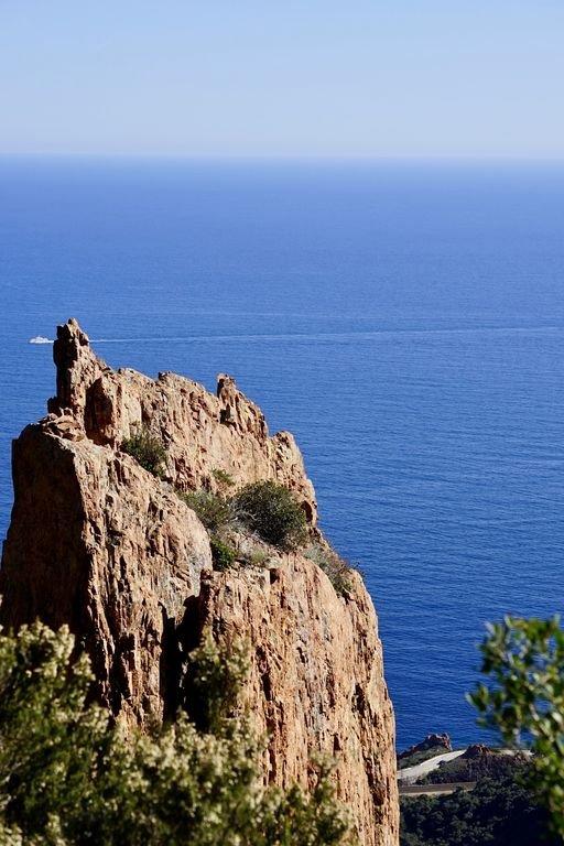 Près de la côte préservée, des golfs de Valescure, ou des loisirs  nautiques