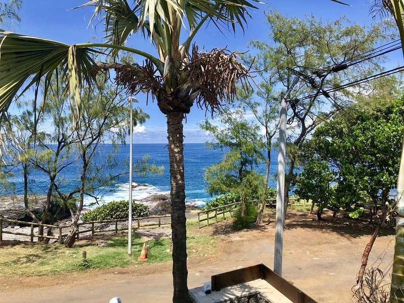 Villa contemporaine face à l'océan, pur style balinais, design, luxe, moderne, holiday rental in Grand Bois