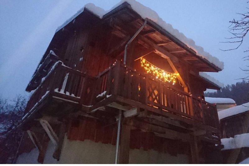 Chalet individuel,  6 pers, vue imprenable montagne et vallée, casa vacanza a Doucy