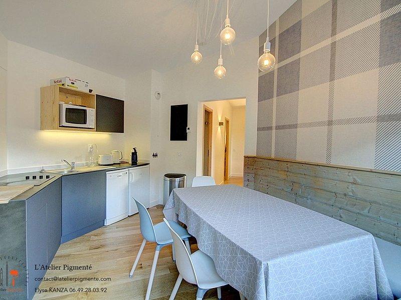 Appartement familiale confortable et lumieux skis aux pieds, location de vacances à La Perriere