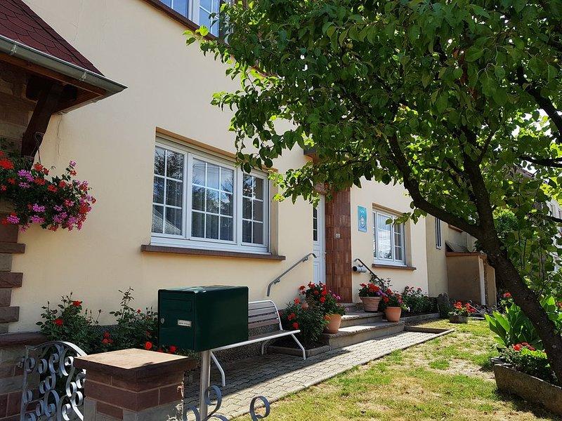 Gîte 5 pers. 90m² au calme, situé aux portes de l'Alsace et des Vosges du Nord, holiday rental in Petersbach