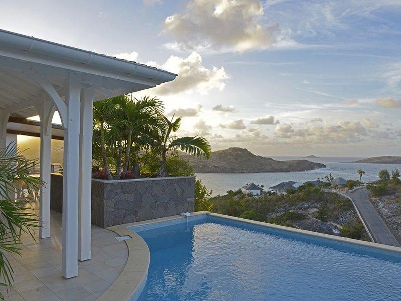 Villa Lagon Jaune, très belle vue mer, tarif 3 ou 4 chambres – semesterbostad i Saint-Barthélemy