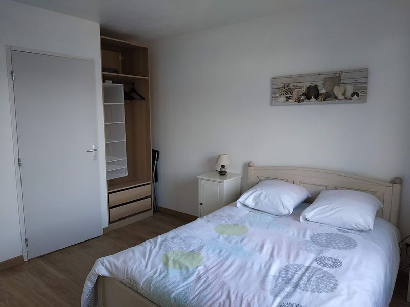 T2 au centre du village,  à 13kms de Rouen, casa vacanza a Bosc-le-Hard
