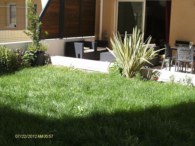 Joli T2 à  proximité du Port, Jardin et Terrasse privés,garages fermés, location de vacances à La Ciotat