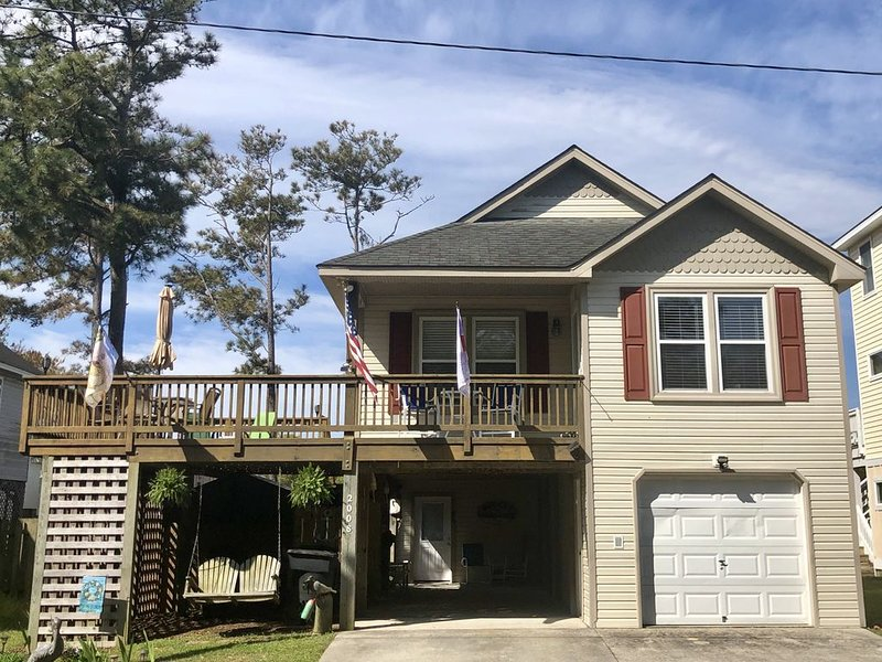 Comfy Three Bedrooms, Two Baths, Competitively Priced with Lots of Amenities, alquiler de vacaciones en Kill Devil Hills