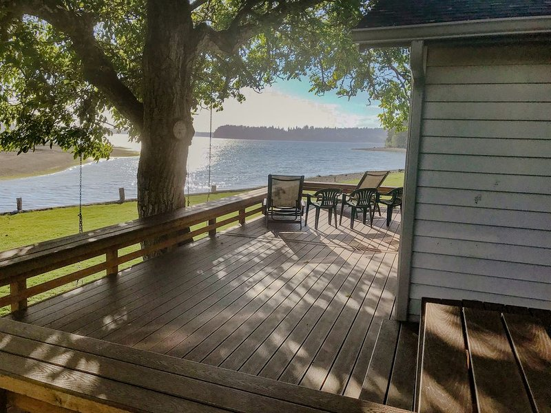 Beach House on the Bay, vacation rental in Yelm