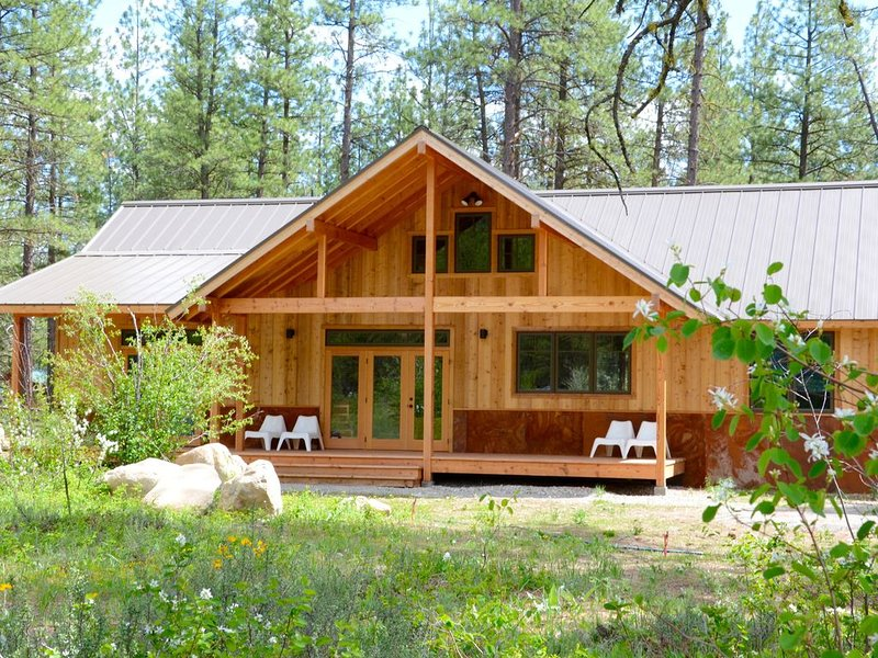 Central Station-Brand New House Home! Short Walk to Ski Trail & Mazama Store!, holiday rental in Mazama