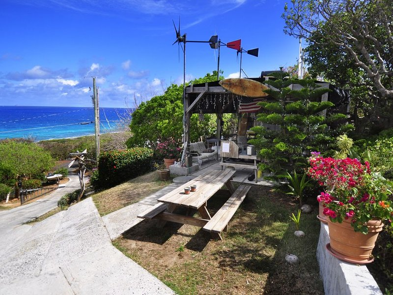 Eco Cottage walking distance to the beach, holiday rental in Water Island